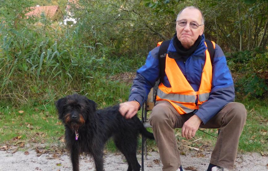 Hund-vica-mit-mann-im-urlaub Tierische Geschichten - Tierschutzliga-Dorf