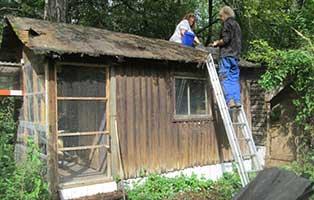 renovierung-katzenhaus-oberdinger-moos-dach Tierparadies Oberdinger Moos